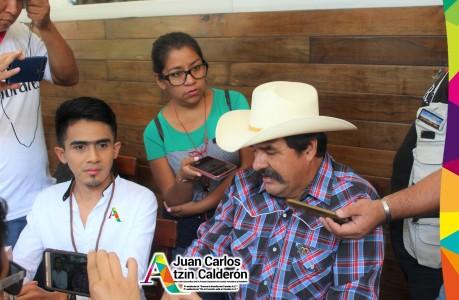 Atzin y Pino dando rueda de prensa sobre minerías, gasoducto y fracking.jpg